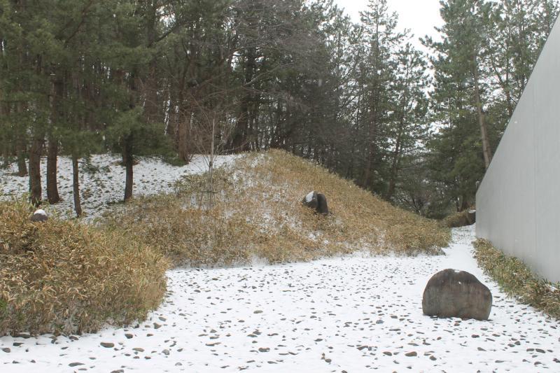 雪の勅使河原宏作庭「流れ」